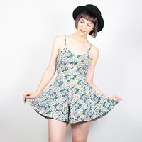 Vintage 90s Romper Soft Grunge Playsuit 1990s Shorts Outfit DAISY Floral Print Daisies Jumper Culottes Skater Skirt Romper XS S Small M