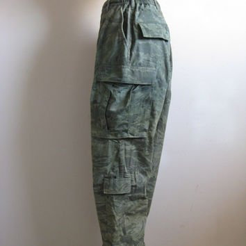 Vintage 1980s Military Pants Green Camouflage Cotton Armed Forces Cargo Pants 34R