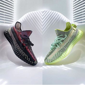 Hipgirls ADIDAS Yeezy Boost 350 V2 Couple Starry Luminous Casual Sneakers Shoes