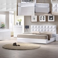 4 pc Poland collection white lacquer finish wood modern style Queen bed set with geometric pattern headboard