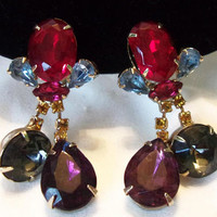 Couture Red Blue Topaz Glass Rhinestone Dangling Gold Plate Fashion Clip Earrings 1950's
