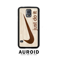 Wooden Nike Just Do It Samsung Galaxy S5 Case Auroid