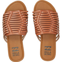 TREAD LIGHTLY SANDAL