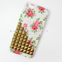 FREE Shipping US -- Vintage Flower Rose Brass Gold Pyramid Studded iPhone 5 Phone Case