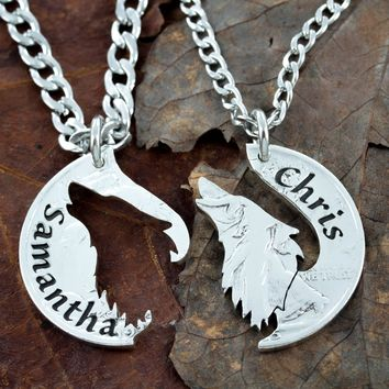 Howling Lone Wolf Necklace with Names Engraved