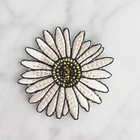 Daisy Patch - Iron On, Embroidered Applique – Flower