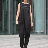 Black Sleeveless Jumpsuit / Drop Crotch Jumpsuit / Harem Jumpsuit / Official Jumpsuit / Elegant overalls / Loose Party Jumpsuit SW23017