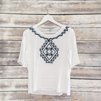 Kyra Embroiderd Top