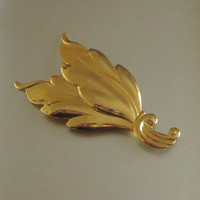 Vintage Leaf Brooch, Gold Tone Stylized Leaves, Lightweight Pin, Autumn Beauty!