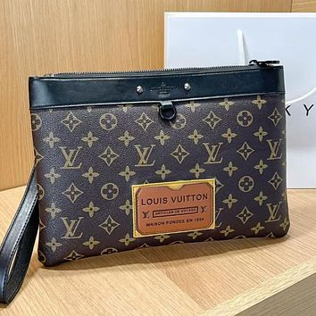 LV Louis Vuitton new product stitching color letter printing ladies envelope bag cosmetic bag clutch Coffee LV print