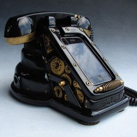iRetrofone Steampunk - Black/Gold - iPhone dock