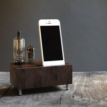 Dock for iPhone Samsung Galaxy handcrafted butcher block from walnut wood with triple electron tubes