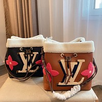 Louis Vuitton LV new style Western fashion all-match bucket bag simple one-shoulder messenger bag