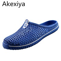 Akexiya 2017 Summer Men Clogs For Lovers Sandals Cut-Outs Shoes Unisex Slip On Flats Casual Slippers Flip-flops For Man