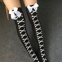 Contrast Bow Detail Bone Pattern Black Stockings