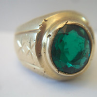 Vintage Dark Green Stone Mens Ring Etched Star Size 9