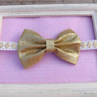 Gold sequin bow headband.  Bow headband for babies, toddlers, and girls.  Gold glitter bow headband.