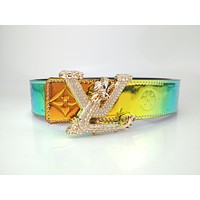 Louis Vuitton's new men's and women's classic diamond buckle casual belt