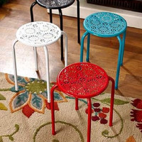 Stand Table Seat Stool Metal Daisy Garden Patio Deck Porch Red Black