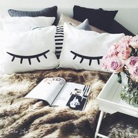 EyeLashes Pillow Cases - chic pillow cases - cute bedroom ideas- for your bedroom - Cake Life®