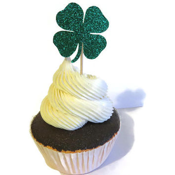 Shamrock Clover Cupcake Toppers - St Patricks Day Party Supplies - Green Glitter Food Picks #StPatricksDay #4leafclover