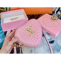 LV Louis Vuitton 2019 tide brand couple love pockets shoulder bag Messenger bag pink