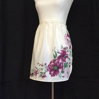 Magenta Apron, Christmas gift for sister Holiday sale items  Teacher gift idea, Affordable gifts for Mother Daughter Cute Floral Apron