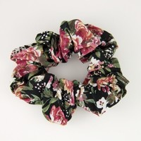 Brandy & Melville Deutschland - Scrunchie in flower print