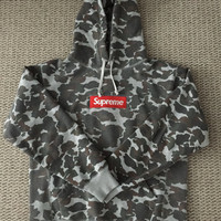 Supreme Camo Box Logo Pullover Hoodie Large (fits like medium)