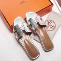 Hermes 2018 latest digital punching inner stepping sheepskin sandals F-ALS-XZ silver
