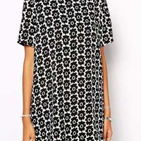 The Laden Showroom X Zacro Flower Power Woven T-Shirt Dress - Black $9