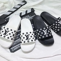 LV Louis Vuitton GUCCI New style slippers slip-on soft bottom bedroom non-slip couple outdoor slippers flip flop
