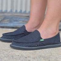 Sanuk Donna Paige {Black}  | Women's Size 6 to 10
