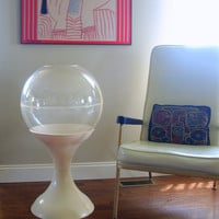 ATOMIC ERA PLANTER Space Age Mod White Tulip Base Clear Lucite Plastic Bubble Dome Circle Round Retro Terrarium Mid Century Modern Furniture