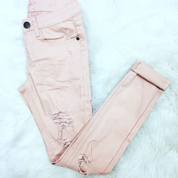 YOU GOT ME BLUSHING DISTRESSED ANKLE SKINNY JEANS