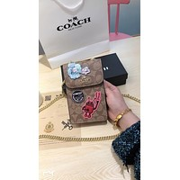 COACH 2019 new women's fashion badge mobile phone bag