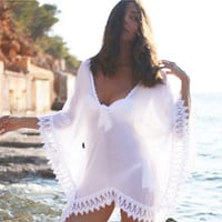 2016 New Summer Women Beach Cover-up With Tassels Pareo Beachwear Tunic White Chiffon Sarong Swimsuit Swim Dress Solid Swimwear
