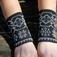 Arm Wrist Warmers Beaded, Black Arm Warmers, Unique Handmade Beaded White Wrist, Warmers Fingerless Gloves Cuff, Luxurious Cashmere Wool
