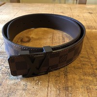 Used LOUIS VUITTON Chequered brown belt with bronze coloured buckel, with box