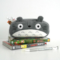 Kawaii Japanese anime My NeighborTotoro pencil case plush / Cosmetic makeup pouch soft and cute gray and white