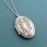 Flower, Engraved, Antique silver, Locket, Photo, Necklace, Birthday, Best friends, Sister, Gift, Jewelry