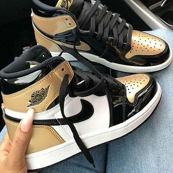 NIKE Air Jordan 1 high-top patent leather distressed basketball shoes