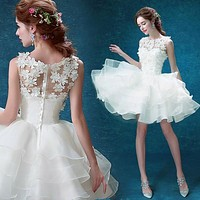 Country Style 2017 White Short Wedding Dresses Lace Appliques Mini Skirts Ruffle Organza Wedding Dress Bridal Gown casamento