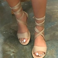 2020 new summer lace up flat bottom sandals