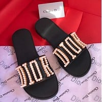 Dior pearl letter slippers