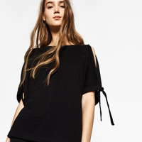 T-SHIRT WITH BOWED SLEEVESDETAILS