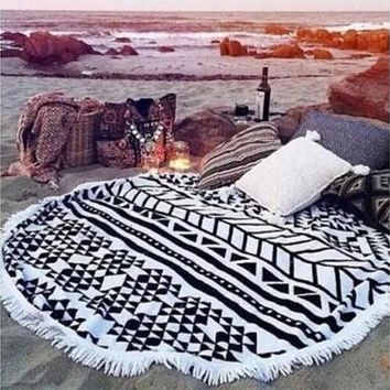 Round Hippie Tapestry Beach Throw Roundie Mandala Towel Yoga Mat Bohemian Featur New [8069653383]