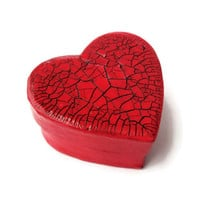 Tiny red heart box with red and black crackle lid, trinket box, mini gift box, decorative box, heart shape gift box