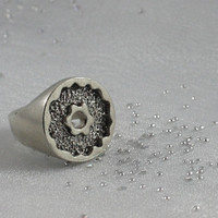Artisan chunky ring, sterling silver. SIZE: 5,5. Discontinued. Low price