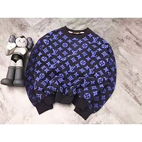 LV Louis vuitton fashion hit with a pair of monogrammed round-neck sweaters